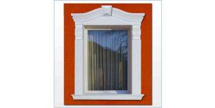 92. Kültéri stukkó dekorációs ötletek: ablakdíszítés, ajtódíszítés ívre hajlítható lécekkel