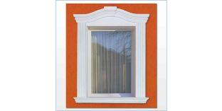 90. Kültéri stukkó dekorációs ötletek: ablakkeretezés ívre hajlítható díszléccel