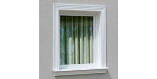 4. Kültéri stukkó dekorációs ötletek: ajtó-, ablakkeretezés kültéri kérgesített stukkóval
