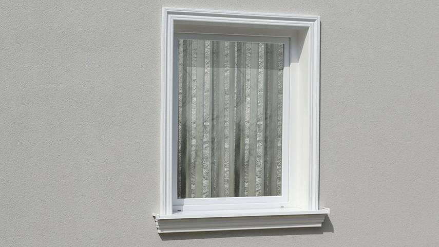 Harmonikus ajtó- és ablakkeretezés polisztirol kültéri stukkóval